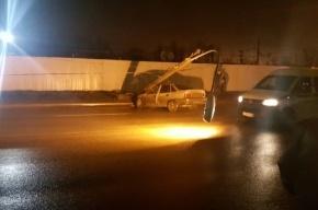 Daewoo Nexia «уронила» фонарь на проспект Народного Ополчения