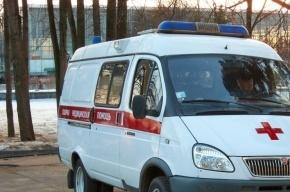 Пьяный мужчина выжил после падения с третьего этажа на проспекте Стачек