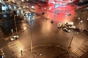 Четыре машины столкнулись на Дунайском проспекте