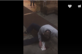Очевидцы: охранник ресторана швырнул посетителя головой о бетон