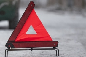 КамАЗ и две иномарки столкнулись в Колпинском районе