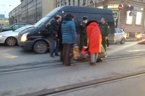 Очевидцы: человека сбили на Академика Лебедева