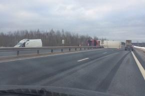 Серьезная авария с фурой произошла на Московском шоссе