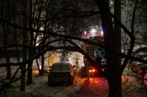 Очевидцы: спасатели на Народного Ополчения выбросили в окно горящий диван
