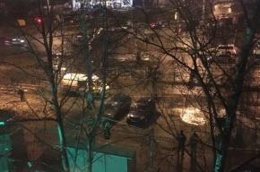 Трубу с горячей водой прорвало на проспекте Маршала Жукова