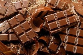 Находящийся в розыске рецидивист украл шоколадки в гипермаркете Петербурга