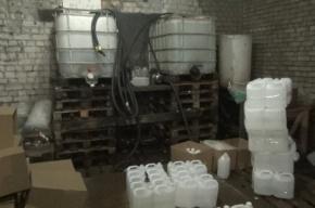Цех по производству паленой водки накрыли в Саперном