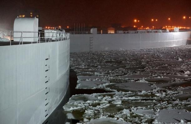 Из-за угрозы наводнения вПетербурге частично закрыли дамбу