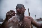 Фоторепортаж: «Крещенские купания у Петербурге 2017 год, фото: Игорь Руссак »