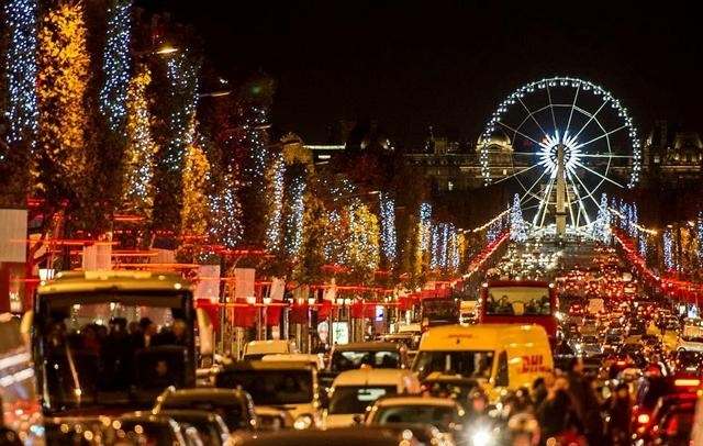 _Champs-Elysees-Paris-Christmas-France