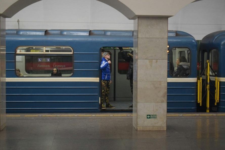 Пофакту блокировки дверей вметро Петербурга проведут расследование