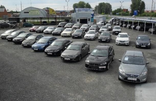 Продажи автомобилей в России в 2016 году рухнули на 11%
