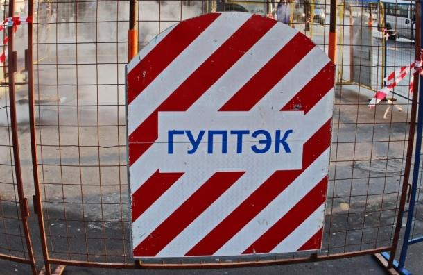 Батареи остыли в 47 домах из-за прорыва на севере Петербурга