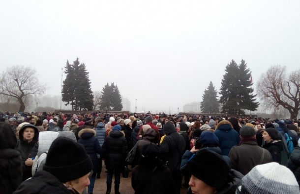 Тысячи человек пришли на митинг в Петербурге против передачи Исаакия РПЦ