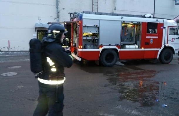 Горящее здание оружейного завода в Сестрорецке потушили