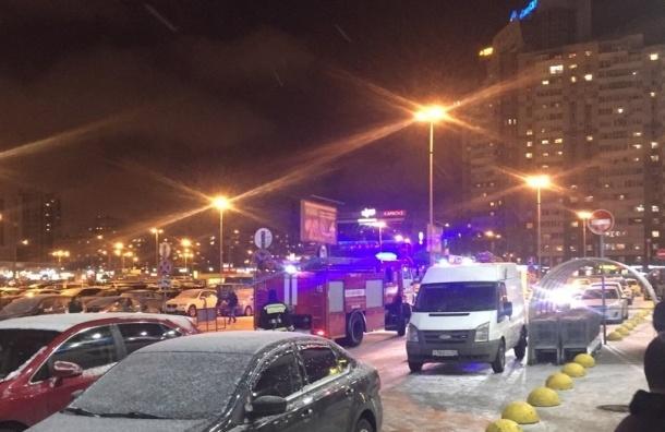 Посетителей ТРК «Сити-Молл» эвакуировали из-за пожара