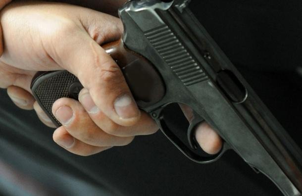 ВПетербурге боец Росгвардии выстрелил себе влицо