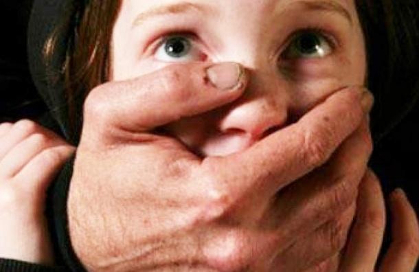 ВКронштадте жертвой педофила стала 8-летняя девочка