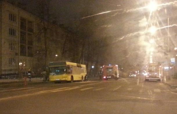 Рейсовый автобус горел ночью на Расстанной улице