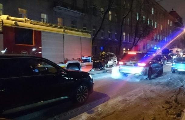 Пожар в квартире доходного дома на Профессора Попова произошел вечером