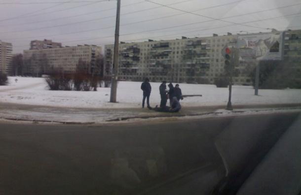 Труп пожилого мужчины нашли на проспекте Маршала Блюхера