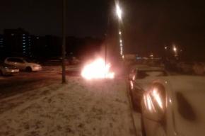 Автомобиль BMW сгорел на Загребском бульваре