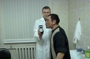 СМИ: Житель Челябинска пьяным дыханием сломал алкотестер