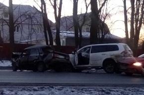Водитель легковушки погиб в страшном ДТП на Таллинском
