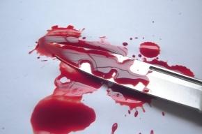Продавца магазина в Купчино неизвестный изрезал ножом