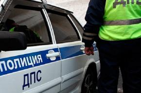 Петербуржцу в дорожном конфликте сломали руку