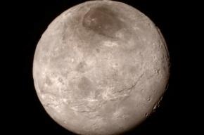 NASA нашло башню на поверхности Плутона