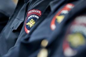 Четверо в масках вынесли продукты из магазина на улице Кузнецова