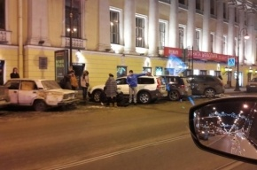 Очевидец: таксист сбил пешехода на Владимирском проспекте