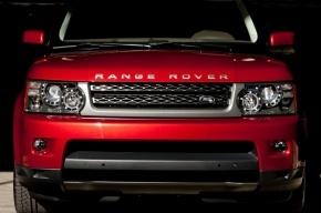 Range Rover за 5 млн рублей исчез с платной парковки в Пулково