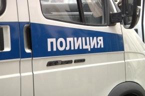 Труп  молодой женщины с переломанными ногами нашли в Петербурге