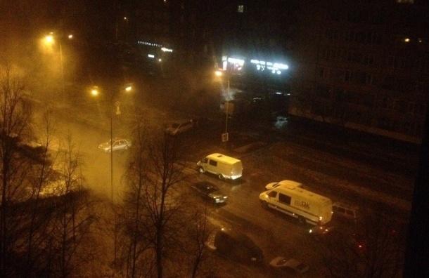 Припаркованные машины потонули вкипятке наИскровском