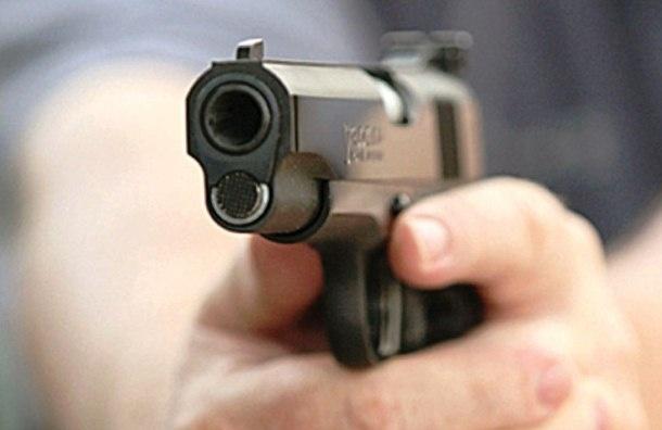 Водитель иномарки решил спор при помощи пистолета
