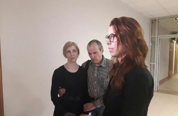 Суррогатная мать из Петербурга по решению суда отдаст детей биологическим родителям