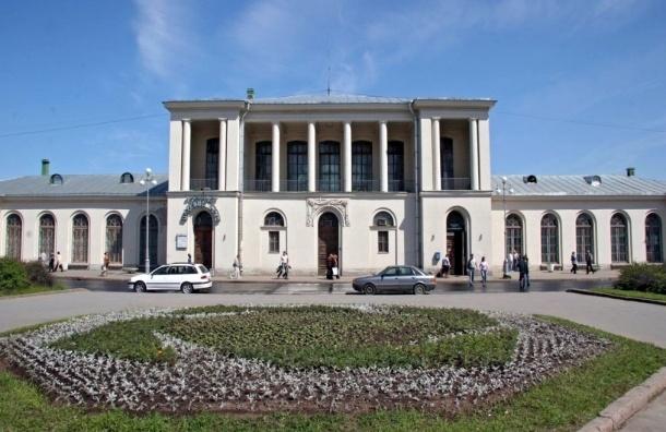 Пассажир петербургской электрички умер на станции Царское Село