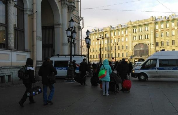Свидетели: наМосковском вокзале работает ОМОН