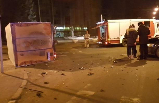 Audi опрокинула кондитерский фургон на Большом Сампсониевском