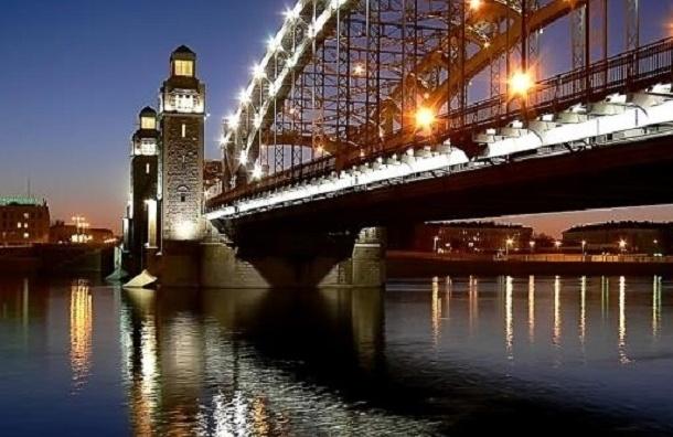 Проект реверсивного движения на Большеохтинском мосту передан в КГИОП