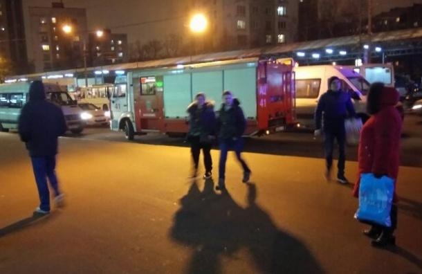 Полиция искала бомбу на «Проспекте Ветеранов»