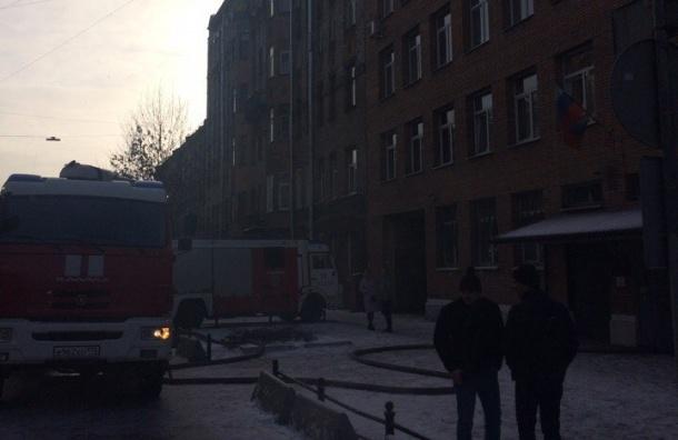 Горит отдел полиции на 18-й линии Васильевского острова