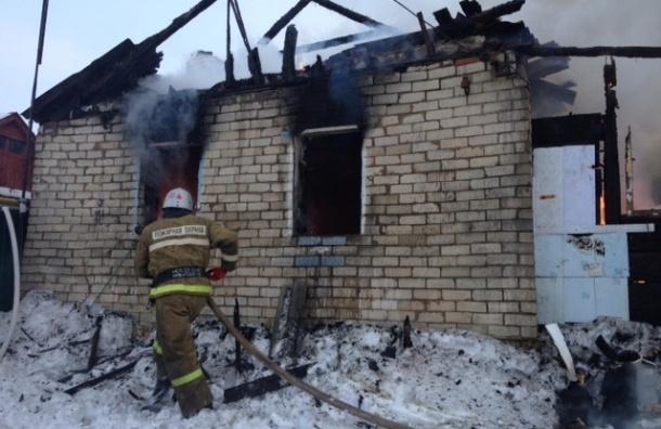 Десятилетняя девочка спасла братьев и сестер из горящего дома под Белгородом