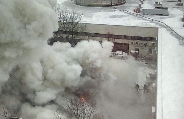 Спасатели локализовали пожар в ресторане на Московском проспекте