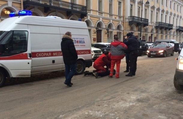 Мужчина вПетербурге осужден условно заугрозу убийством шоферу «скорой»