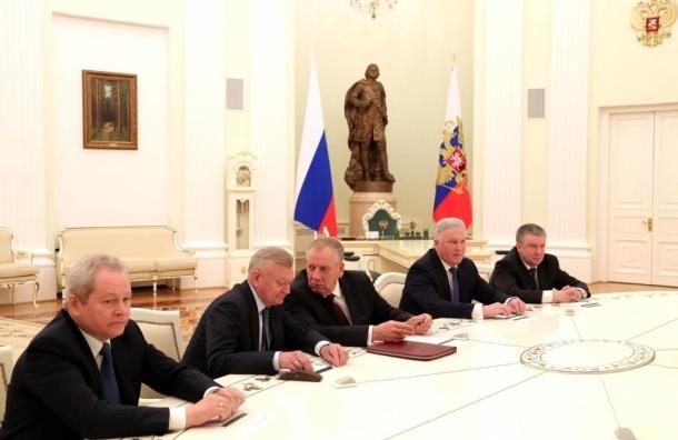 Массовый уход губернаторов Путин назвал «естественным процессом»
