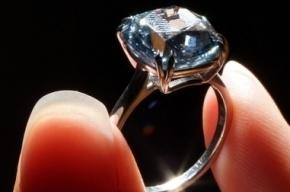 Китаец решил провезти похищенный бриллиант за 6 млн в своем желудке