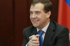 Медведев призвал россиян готовиться жить под санкциями «неопределенно долго»